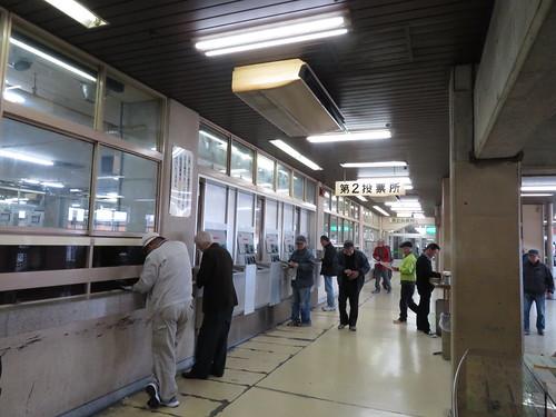 佐賀競馬場の1階第2投票所付近