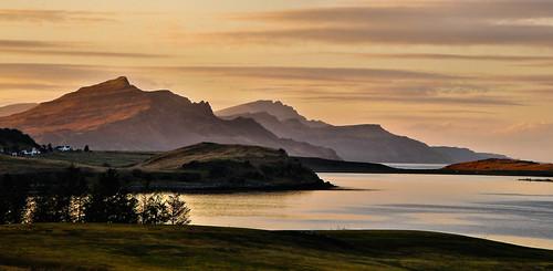 isleofskye skye trotternishpeninsula trotternishridge scotland scottishscenery scottish scenery outdoor dusk explored