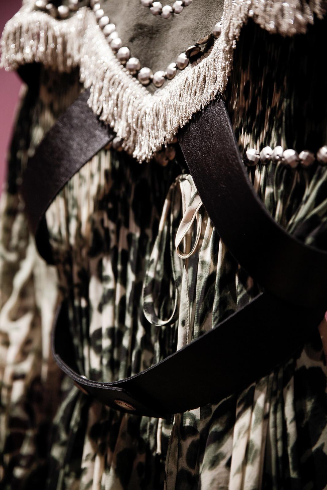 013_Highly_Preppy_abre_su_primera_tienda_en_Bilbao_influencers_fashion_lifestyle_theguestgirl_look_military_khaki_ootd