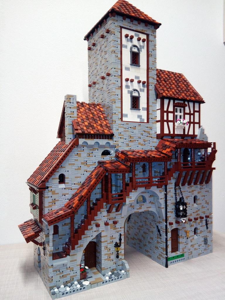 torre (custom built Lego model)