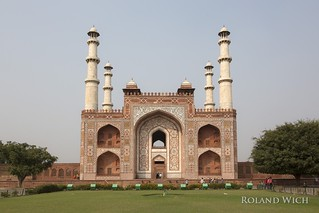 Agra - Akbar's Tomb