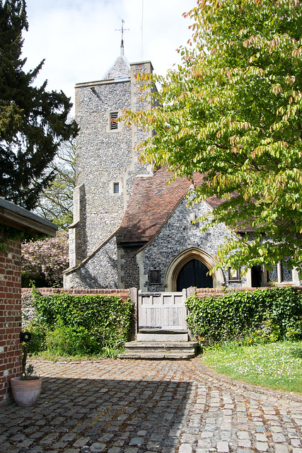 St Peter and St Paul, Luddesdown