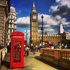 Ok, è la classica foto da turisti, ma non ho saputo resistere... #salutidaLondra #London