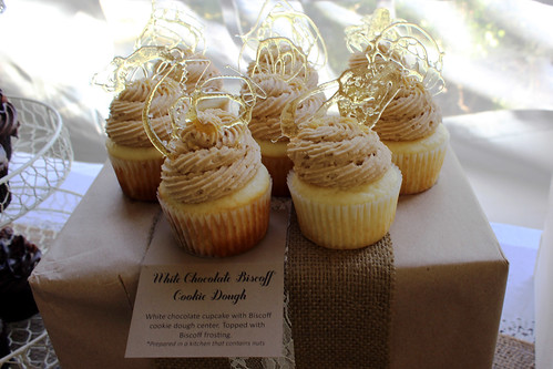 DIY Wedding cupcakes vintage