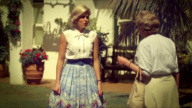 miss.marple.caribbean.mys_white.blouse+skirt2