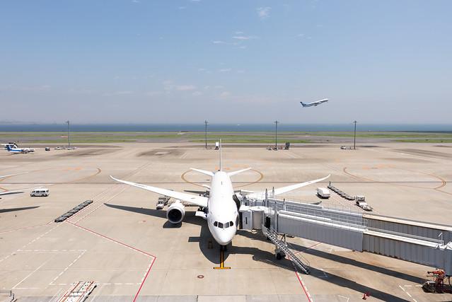 東京国際空港 第2ターミナル B787-8
