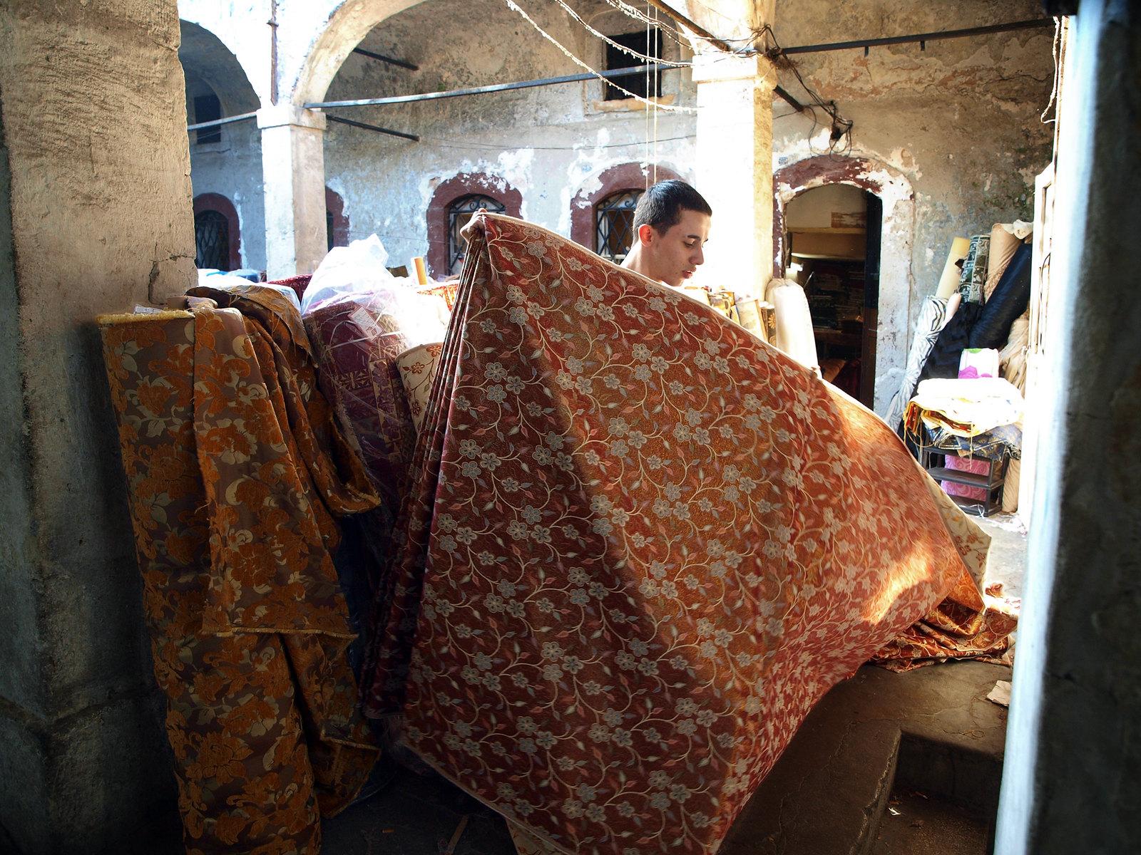 Portraits d'Istanbul - l'atelier du tisserand à l'ombre des caravanserails