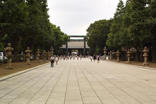 靖国神社参道 by leicadaisuki