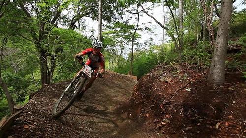 mountain-biker-in-guanaride-at-las-catalinas-9005