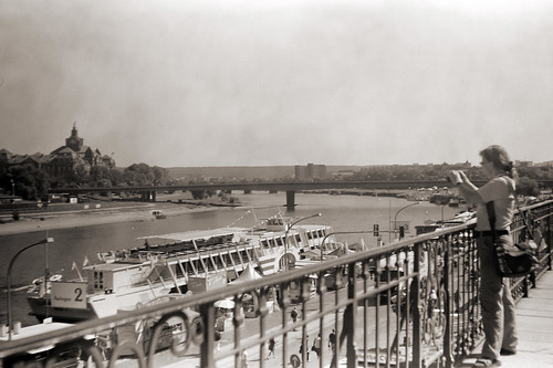 (Balda Juwella 1938) Dresden Elbe von Brühlsche Terasse mit historischer Kamera by nemodoteles