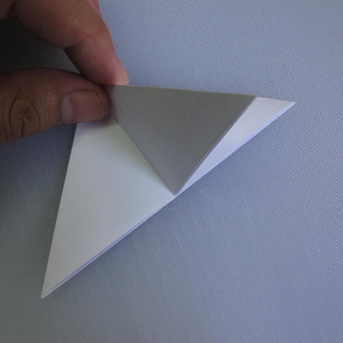 วิธีพับกระดาษเป็นรูปดอกลิลลี่ 004