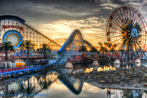 sunset disneyland mickeymouse rollercoaster disneycaliforniaadventure paradisepier hdraward ringexcellence dblringexcellence