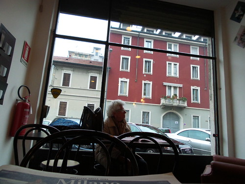 La signora di via Villoresi by Ylbert Durishti
