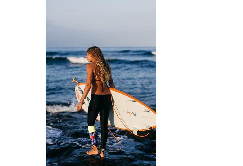 donica_shouse_SUP_salt_gypsy_bespoke_surf_leggings_002.jpg