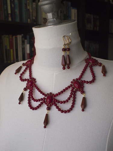 Regency Coral Necklace