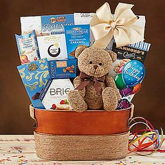 Send Gift Hampers to USA Online from Ferns N Petals