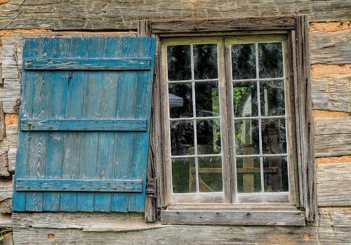 melroseplantation nationalhistoriclandmark blue construction shutter window