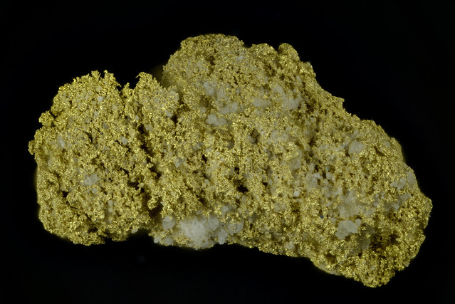 Native gold with mercury content