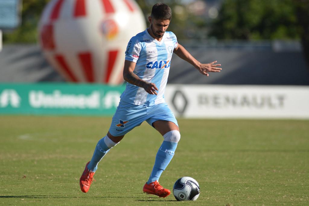 Gustavo Oliveira_001