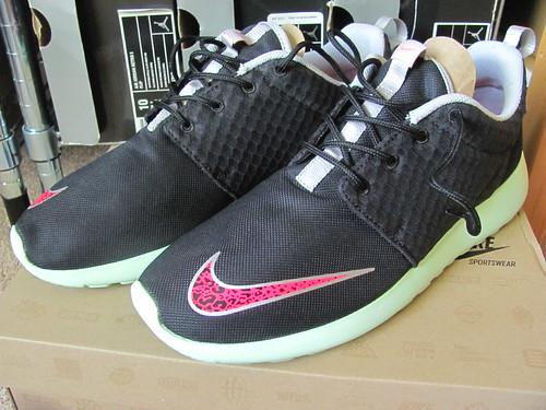 "Nike Rosherun FB ""Yeezy"""