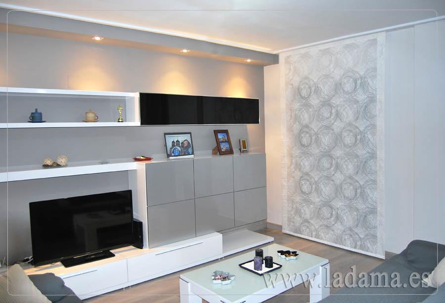 Fotograf as de cortinas en salones modernos la dama for Ver salones modernos