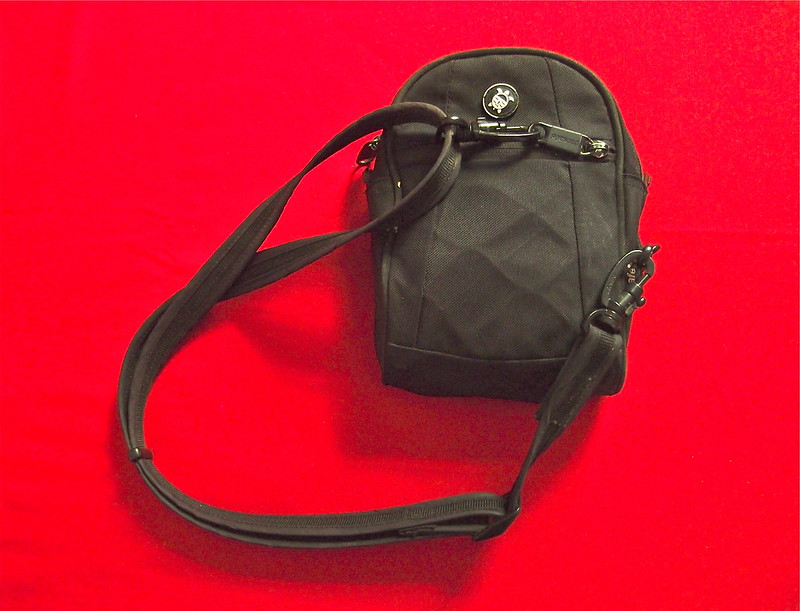 Slashproof waist pack