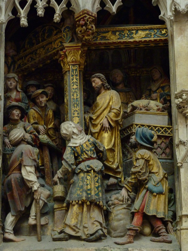 amiens cathedral - polychrome stone carvings