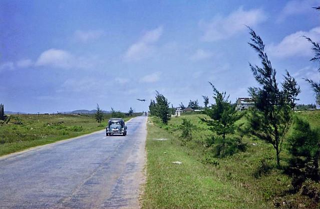 1962-63 QL1 đoạn gần tới phi trường Phú Bài