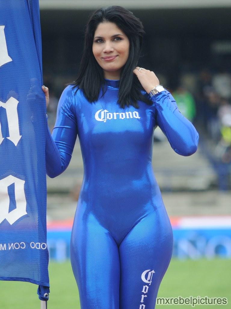 Claudia de guatemala bien cogida por un toro
