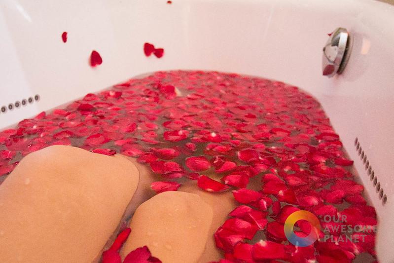 Qiwellness living secret tea bath house in tagaytay a for Jardin secret wine
