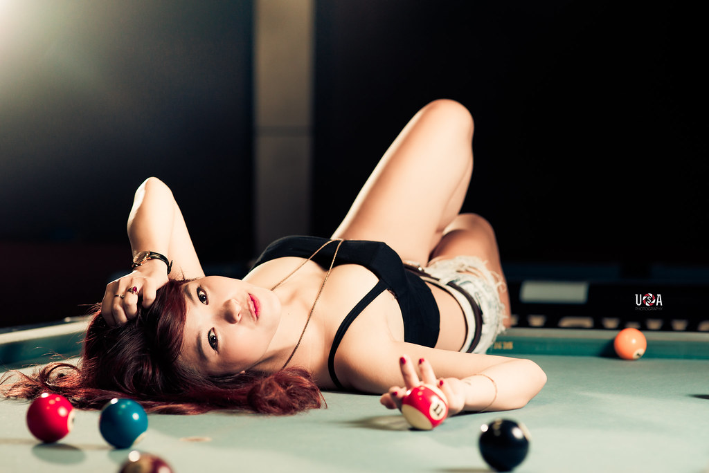 Billiard sexy girl
