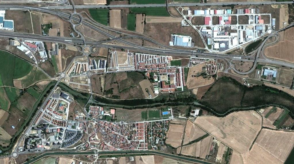 villamuriel de cerrato, palencia, en la periferia de cualquier sitio ocurre el rotondismo, después, urbanismo, planeamiento, urbano, desastre, urbanístico, construcción, rotondas, carretera