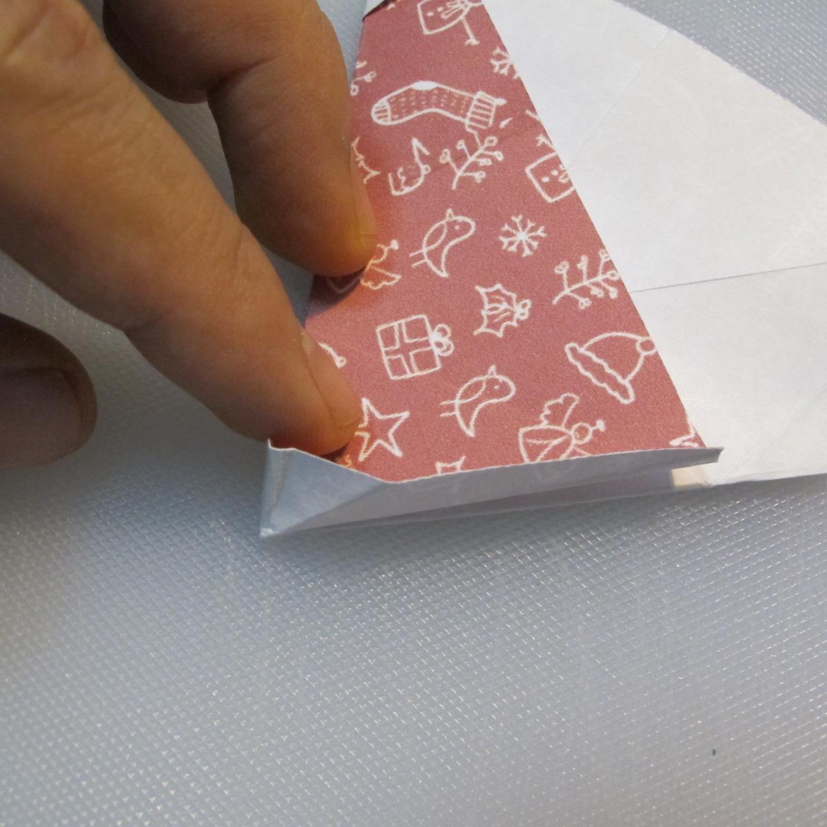 วิธีพับกระดาษรูปหมวกซานต้า 020