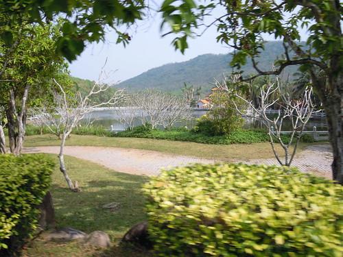 Vue des jardins du temple de NanShanSi sur l'île de Hainan