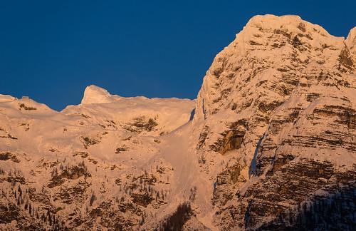 winter snow mountains landscape evening slovenia slovenija julianalps trenta koča julijskealpe kriškipodi pogačnikovdom