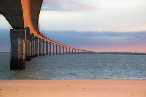 bridge sea mer seascape france beach water sunrise de la sand sable pont plage ré rochelle île littoral charentesmaritimes poitoucharentes 500px ifttt