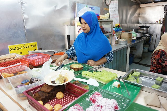 Halal breakfast in Penang Astaka Taman Tun Sardon-005