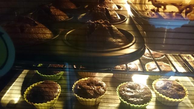 上下兩層同時烤,巧克力核桃蛋糕!♥
