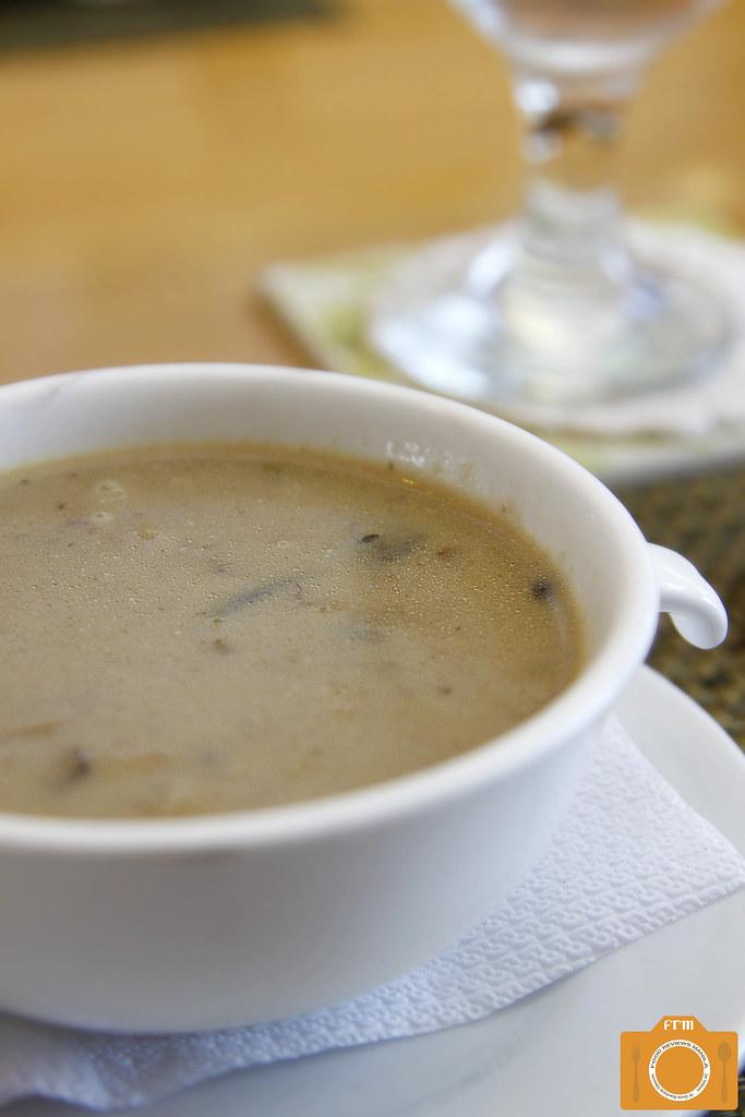 Con Gusto Wild Mushroom Soup