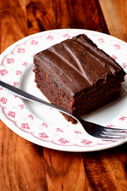 How to Make Chocolate Fudge Cake
