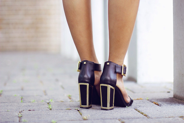 KAT MACONIE SANDALS MIRRORED HEELS