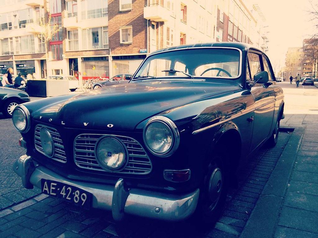 Classic car. #rotterdam #rotterdamcity #classiccar