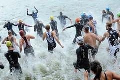 PORADNA: 10 zlatých tipů jak přežít plaveckou část triatlonu