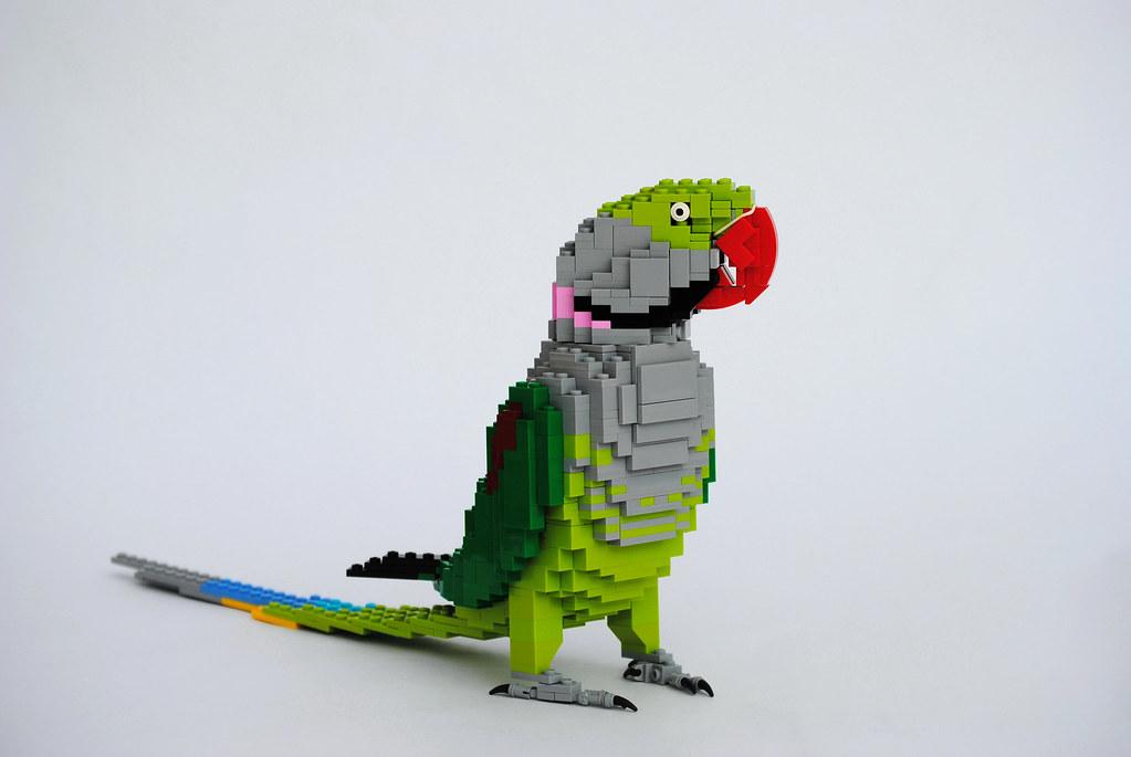 Alexandrine Parakeet (new, improved version) (custom built Lego model)