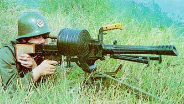 弹鼓供弹的W87式35毫米自动榴弹发射器