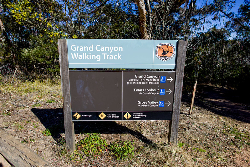 Grand Canyon Blue Mountains Walking Track - start of the trail