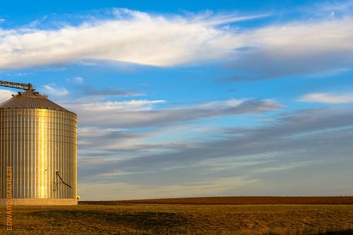 sky plant clouds landscape pflanze feld himmel wolken structure silo landschaft bauwerk ferien 2470mmf28 nikond800