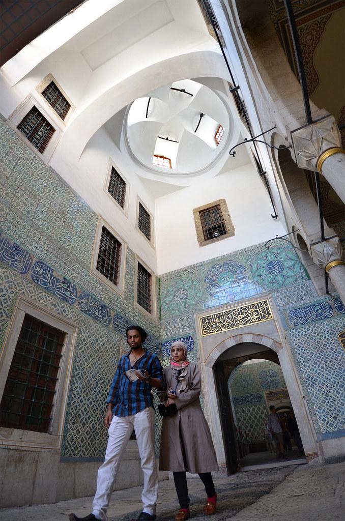 Paseando por el interior del palacio Topkapi de Estambul
