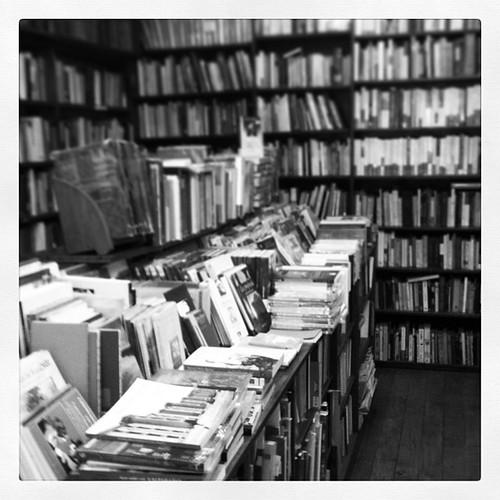 Librería Crisis by Miradas Compartidas