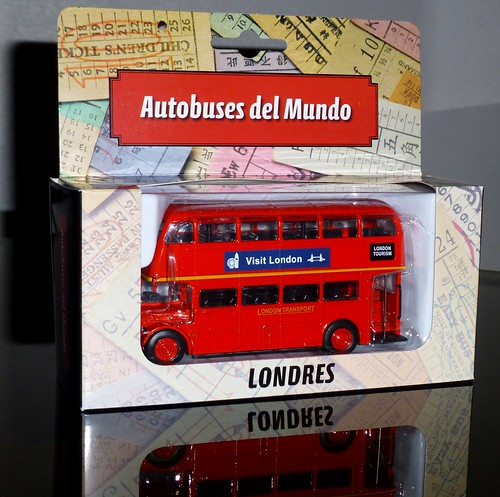 """""""Autobuses del Mundo"""" - Luppa y LUN"""